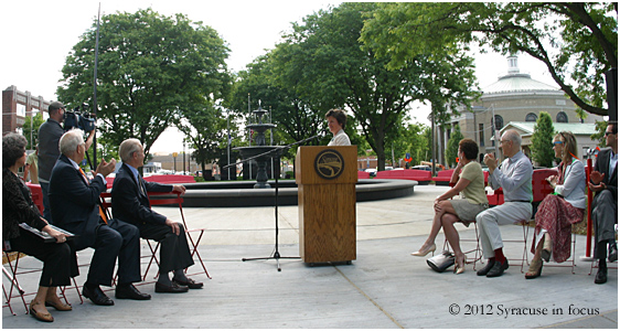 Mayor Minor activates the Forman Park Fountain