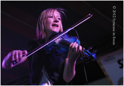 Guest Amy Groth Doan plays the fiddle
