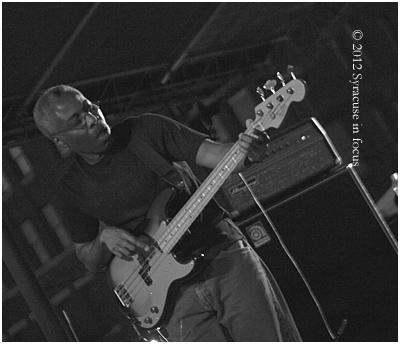 Israe Hagen, Bass Solo