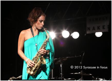 Jessy J, saxophonist
