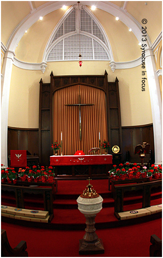 First English Lutheran Church-Altar