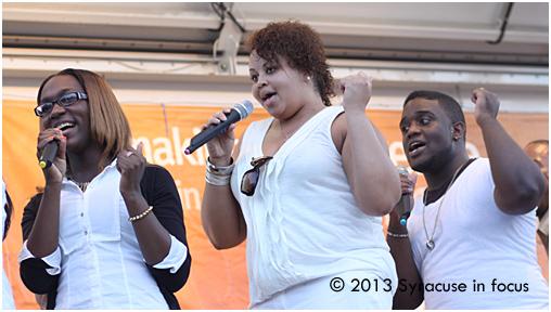 Singers, United Praise