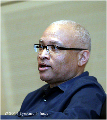 Comedian and television writer Larry Wilmore visited the Newhouse School to discuss his career last week.