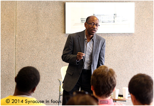 Author and Morehouse College journalism professor Ron Thomas spoke at the S.I. Newhouse School of Public Communications last Thursday.