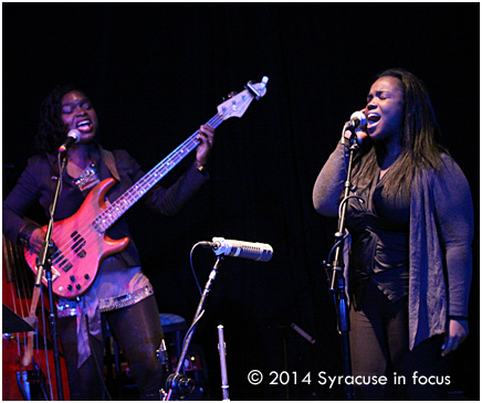Mimi and Camille singing a Roy Ayers classic (Everybody Loves the Sunshine).
