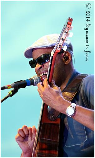 Raul Midon at the 2014 Syracuse Jazz Festival