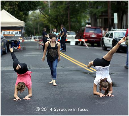 Street gymnasts