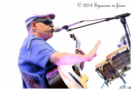 Raul Midon (Jazz Fest)