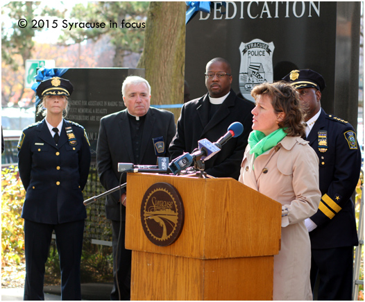 Mayor Miner gave remarks at the 25th Anniversary Memorial for SPD Officer Wallie Howard in Forman Park on Friday.