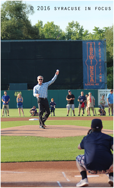 Former MLB star Bill Buckner threw out the first pitch at Saturday's Chiefs game.