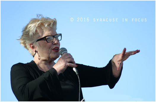 Nancy Kelly joined New York Voices to pay tribute to Murphy.