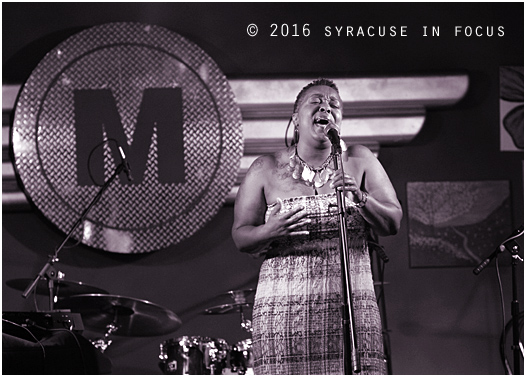 Gina Bryant was a guest vocalist with the Shawn Seals Experience (Munjed's Restaurant)