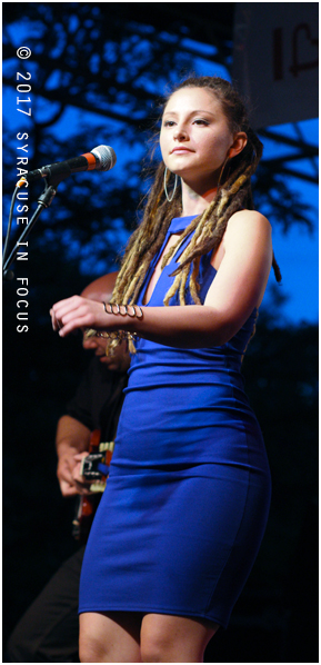 Diva in a Blue Dress (Jessica Brown, vocalist)